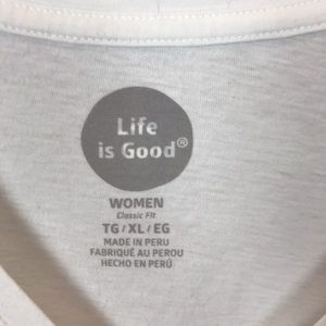 Life Is Good Tops - Life is Good Lotus Graphic Tee